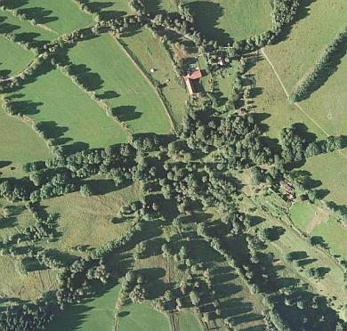 Milešice (viz i Ludwig Wachtfeidl) na leteckých snímcích z let 1952 a 2008