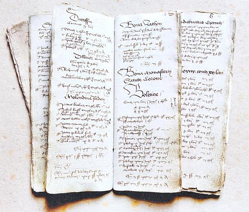 V rejstříku krumlovského panství z roku 1445 byla už evidována i sekularizovaná zboží kláštera Svatá (Zlatá Koruna), označená nadpisem Bona monasterii Sancta Coronae, pod nímž jsou jako první evidovány Boletice