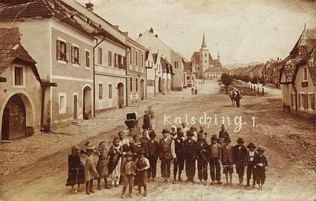 Rodné Chvalšiny na staré pohlednici