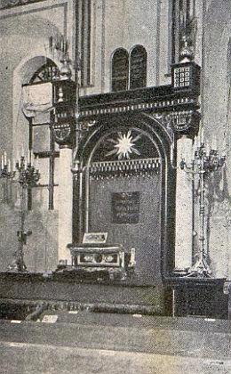 Někdejší nýrská synagoga...