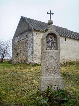 Tesaná kaplička v Pěčíně