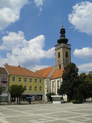 Soběslavské náměstí s kostelem sv. Petra a Pavla - byl tu pokřtěn?