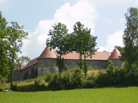 Hrad Piberstein blízko české hranice, od roku 1894 v majetku rodu Revertera-Salandra