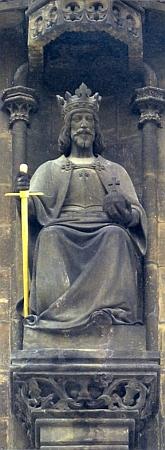 Socha Přemysla Otakara II. na Prašné bráně v Praze
