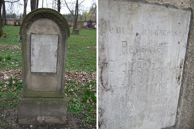 """Jeho hrob na staroměstském hřbitově se dochoval jako jeden z mála na svém místě - nápis je sotva čitelný, ale dočteme se z něho, že byl """"budějovickému redaktorovi"""" věnován """"jeho přáteli"""""""