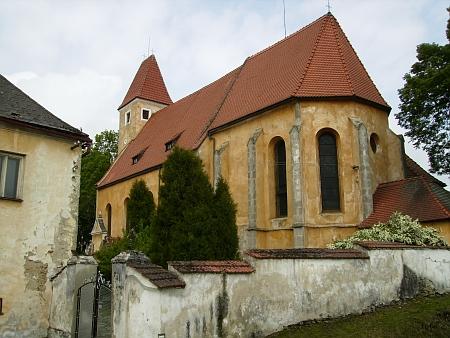 Kostel sv. Bartoloměje v Malontech na snímku z roku 2013 (viz i Franz Hoffelner a Johann Evangelist Mikolasch)