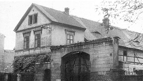 Rodný dům před zbouráním