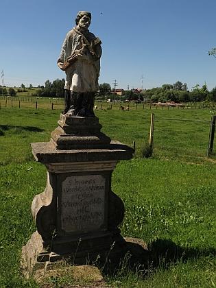 Socha sv. Jana Nepomuckého z roku 1738 v Brodu nad Tichou (německy Bruck am Hammer) stojí na mostě     přes říčku Tichá, které se tu říká spíše Hamerský potok (německy Hammerbach)
