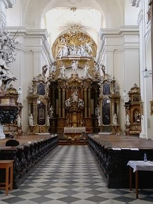 Interiér kostela sv. Michala v Brně, v jehož kryptě je pohřben