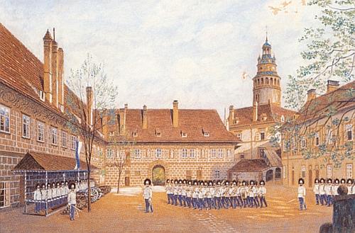 Druhé zámecké nádvoří s knížecí schwarzenberskou gardou zachytil F. Diltsch svým kvašem na papíře někdy kolem roku 1900, tedy v době Rilkeova krumlovského pobytu