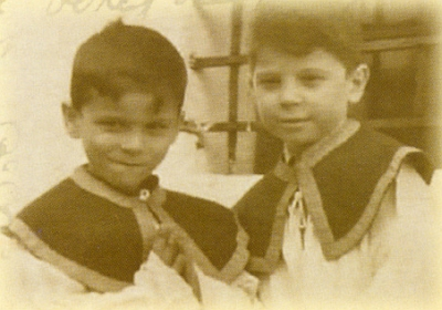 V hornovltavickém kostele ministrovali jako chlapci Petr a Martin Štěpánkovi, synové proslulého herce Zdeňka Štěpánka a oba sami později čeští herci (jejich matka Soňa, roz. Grossová, je na zdejším hřbitově i pochována)