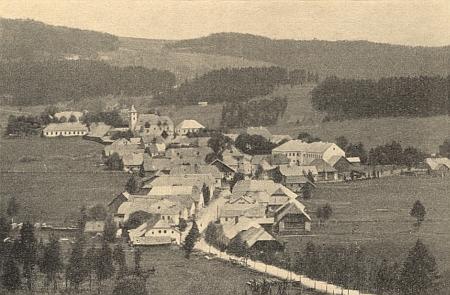 Někdejší Kunžvart (dnes Strážný) na staré pohlednici