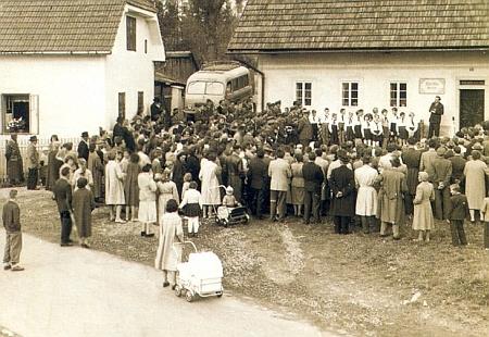 Slavnostní otevření Stifterova památníku v jeho rodném domě 23. října 1960