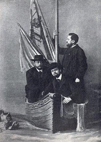"""Na skupinové fotografii z roku 1886, pořízené v Krems """"ander Donau"""", je on ten uprostřed"""