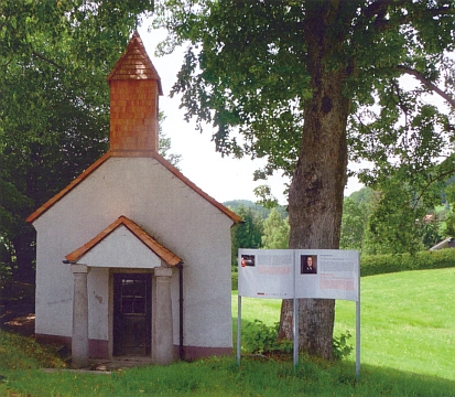 "Tzv. Rosenbergerova kaple v Lackenhäuser blízko tamního""Domu Šumavanů"" (""Haus der Böhmerwäldler"")"