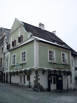 Rodný dům čp. 37 na rohu českokrumlovských ulic Latrán a Nové Město