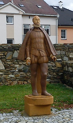 Zatím jediná socha Petra Voka u nás byla odhalena 17. září roku 2011 vmé rodné Soběslavi - keramická plastika vnadživotní velikosti je dílem sochaře Václava Hrůzy