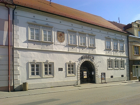 """""""Rožmberský dům"""" v Soběslavi, který v roce 1581 koupil Petr Vok a daroval jej Zuzaně Vojířové"""
