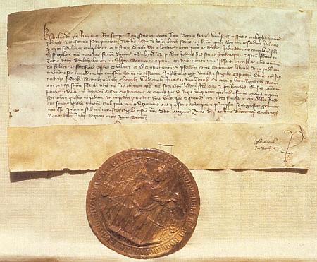 Král Karel IV. povoluje touto listinou z 1. července roku 1349 Joštovi, Petrovi, Oldřichovi a Janovi z Rožmberka postavit hrad Dívčí Kámen