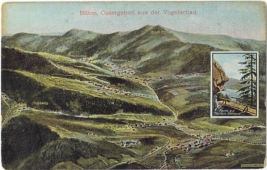 """Panoramatická pohlednice kraje pod Ostrým se jménem """"Grün"""" na zeleném pozadí uprostřed - vložený detailní """"snímek"""" zachycuje lávku nad Čertovým jezerem, dnes ovšem už neexistující"""