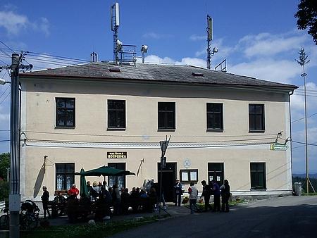 Někdejší školy v Kyselově a Malšíně