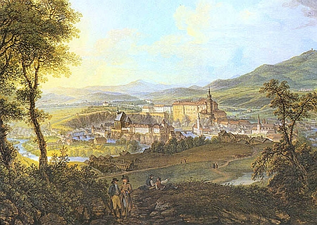 Pohled na Český Krumlov z Křížové hory, datovaný někdy po roce 1824, kde má kostel sv. Víta ovšem ještě cibulovitou báni