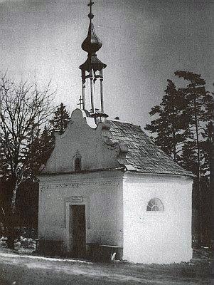 Poutní kaple svaté Anny u Borových Lad i s křížovou cestou byla zlikvidována v roce 1956 (viz i Kilian Heigl a Anton Kubitschek)