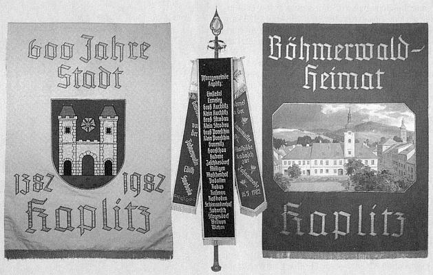 Farní korouhev Kaplice a okolních osad, pořízená roku 1982 k 600. jubileu města