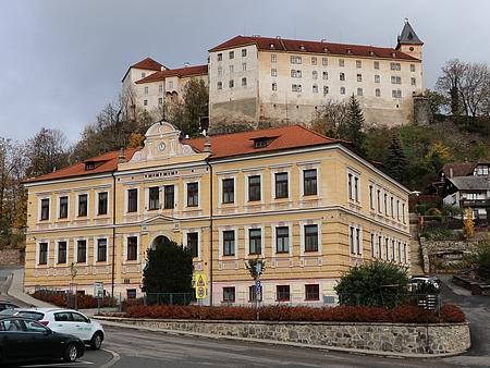 Budova chlapecké měšťanské školy ve Vimperku