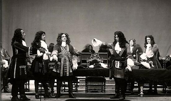 Scéna z jeho hry o princi Eugenu Savojském, uvedené roku 1933 vídeňským Burgtheatrem