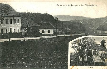 Na pohlednici Korkusovy Huti vidíme kostel i školu