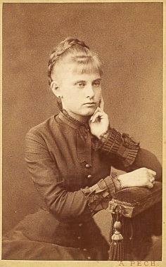 Constanze na snímku budějovického fotoateliéru A. Pech z roku 1879