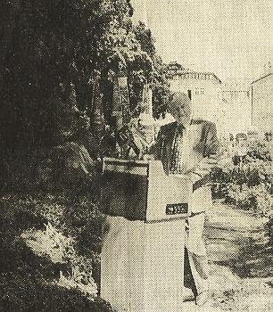 Přednáší svou báseň na červnovém setkání hornorakouského Svazu Šumavanů (Verband der Böhmerwäldler in Oberösterreich) roku 1994 v Linci
