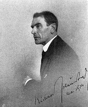 Snímek, který v květnu 1924 pořídil vídeňský fotograf Hermann E. Kosel, Richard von Schaukal vlastnoručně podepsal