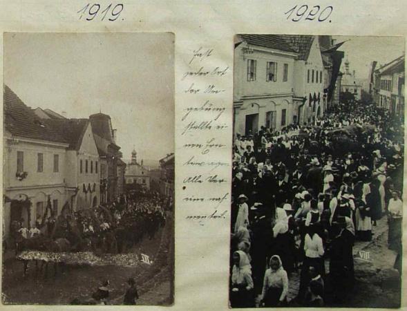 """Dva technicky ne zcela dokonalé, o to však působivější snímky z novohradských dožínek těsně po první světové válce, podle připojeného textu se na nich podílel """"snad každý statek z okolí a všechny spolky"""" - z roku 1919, kdy se Franz Schatzl narodil, je trochu porušený záběr vlevo"""