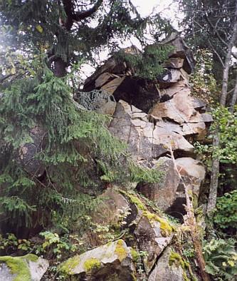 Vrcholová skála a vrcholový kámen Hradu