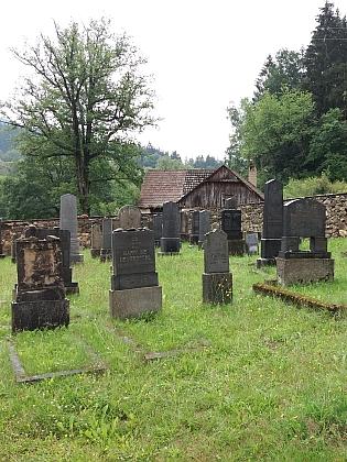 Starý a nový židovský hřbitov v Rožmberku nad Vltavou
