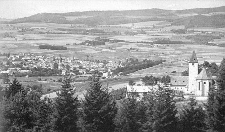 Kostel sv. Jiří v Blansku s Kaplicí a okolím