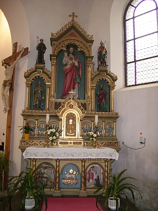 Interiér kostela, ...