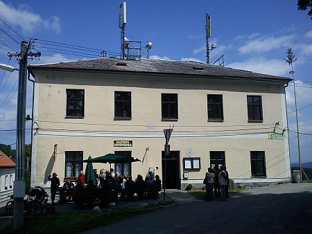 ... 2012 - v bývalé malšínské škole je už řadu let restaurace