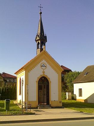 Návesní kaple v rodném Hlinsku