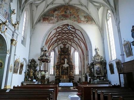 Interiér kostela