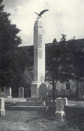 Někdejší chvalšinský památník padlým v první světové válce