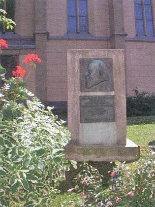 Památník Waldschmidtův při kostele Nanebevzetí Panny Marie v bavorském Freyungu