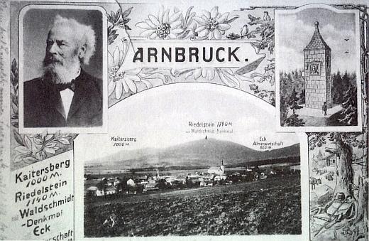 Pohlednice z Arnbrucku zachycuje i památník na Riedelsteinu