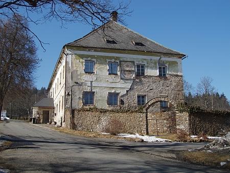 Panský dům v Prášilech (stav v roce 2012)