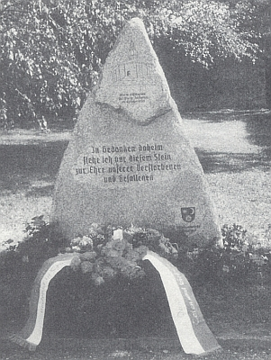 Památník farnosti Rožmitál na Šumavě, vysvěcený 20.srpna 1989 v hornorakouském Rainbachu