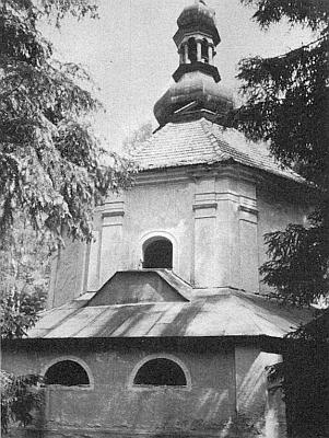 Ještě roku 1966 vyhlížel kostel zvenčí téměř neporušen