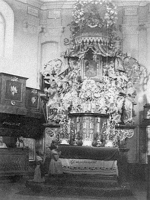 Poutní kostel Panny Marie Pomocné u Rožmitálu na Šumavě, jak vypadal zvenku a uvnitř, než z něho zbyly jen trosky obvodových zdí