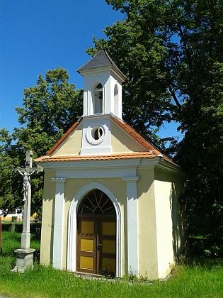 Kaplička v Horních Chrášťanech